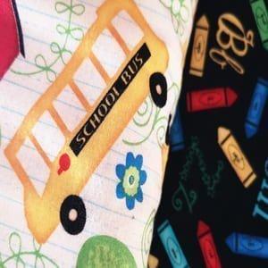 Cosas de colegio, letras y números.