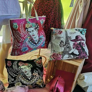 Cuadros de Frida y otros