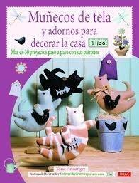 Muñecos de tela y adornos para decorar la casa.Tilda