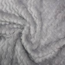Minky en zig-zag color negro para hacer mantitas reversibles