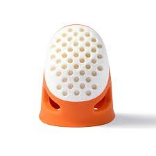 Dedal de silicona ergonómico naranja pequeño de Prym