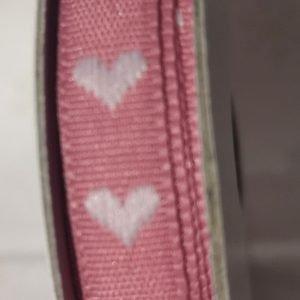 Cinta de corazones blancos sobre rosa de 2m.
