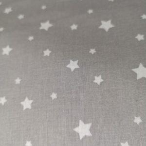Estrellas grises grandes y pequeñas sobre blanco(Ancho 1,50)