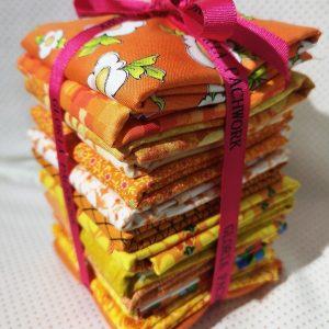 Pack de 14 telas en tonos lilas y morados variados.Total 3,50 metros.Quilting treasures