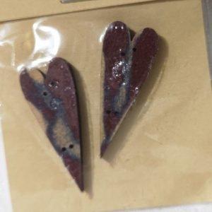 Botones de corazones granates de madera
