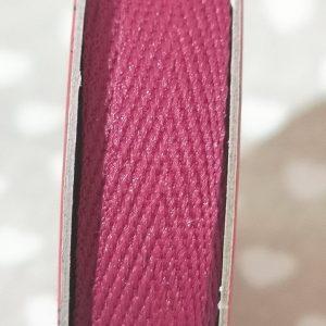Rollo de cinta de hiladillo en rojo de 2m.